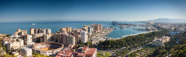 Fiestas universitarias en barco en Málaga